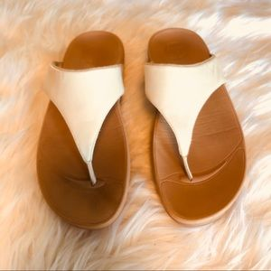 3ba7cb7b9933f Fitflop Shoes - Fitflop Lulu Leather White Thong Sandals Size 8